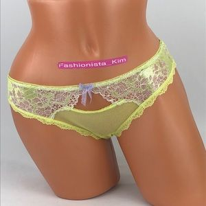 ✅🆕😍 Victoria's Secret lace Cheeky panty